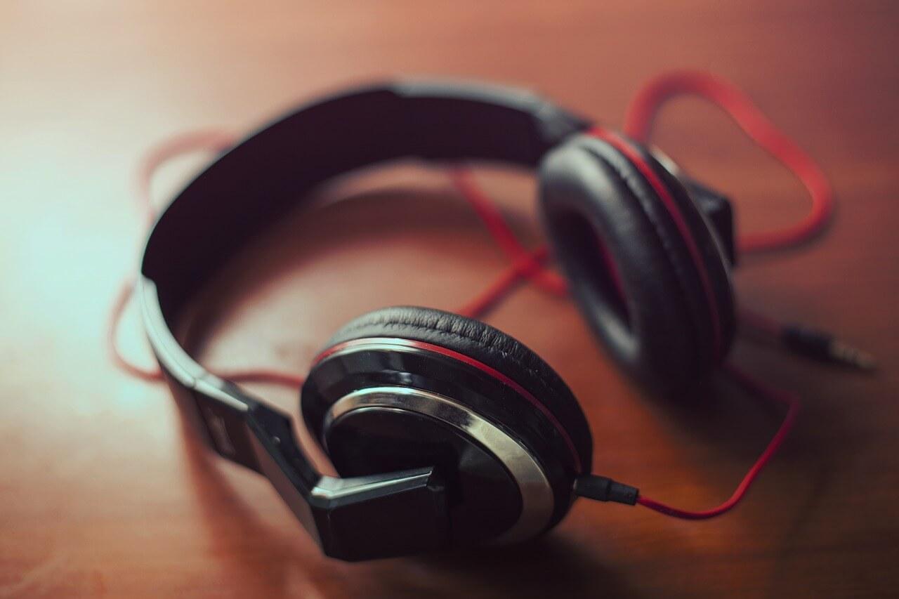 Best Latest Wireless Headphones and earphones in 2021